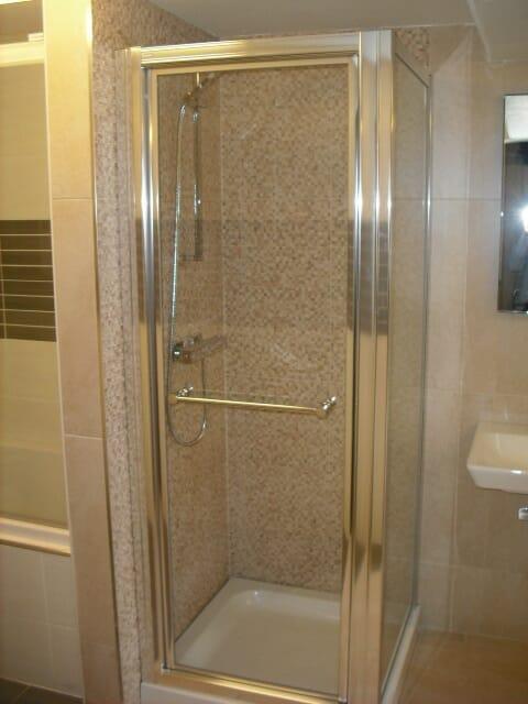 Ex display aqata inglide 760mm shower door and side panel for Ex display bathrooms