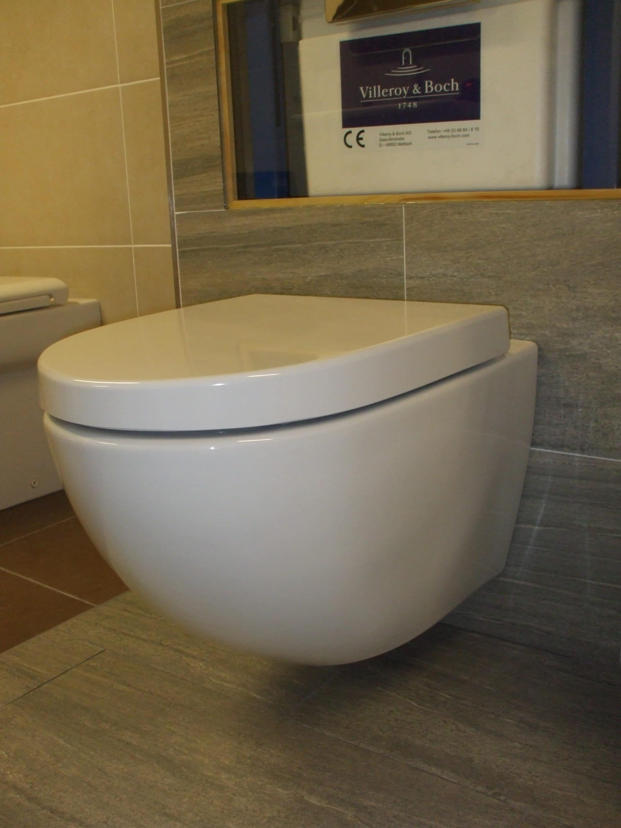 Vitra Sento WC Wall Hung WC & Soft Close Seat